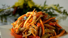 Морковь с баклажанами по-корейски