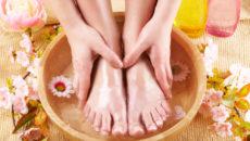Как ухаживать за руками и ногами летом