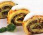 Картофельный рулет с мясом и капустой
